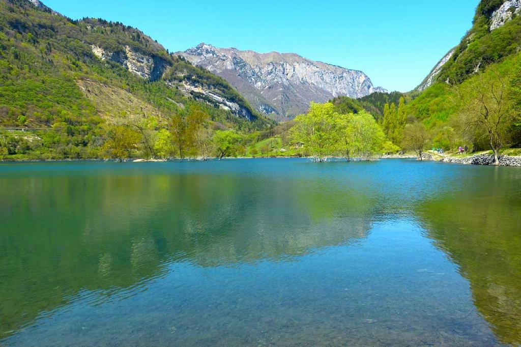 Lago-di-Tenno escursione-giornaliera Hotel-Lido-Molveno